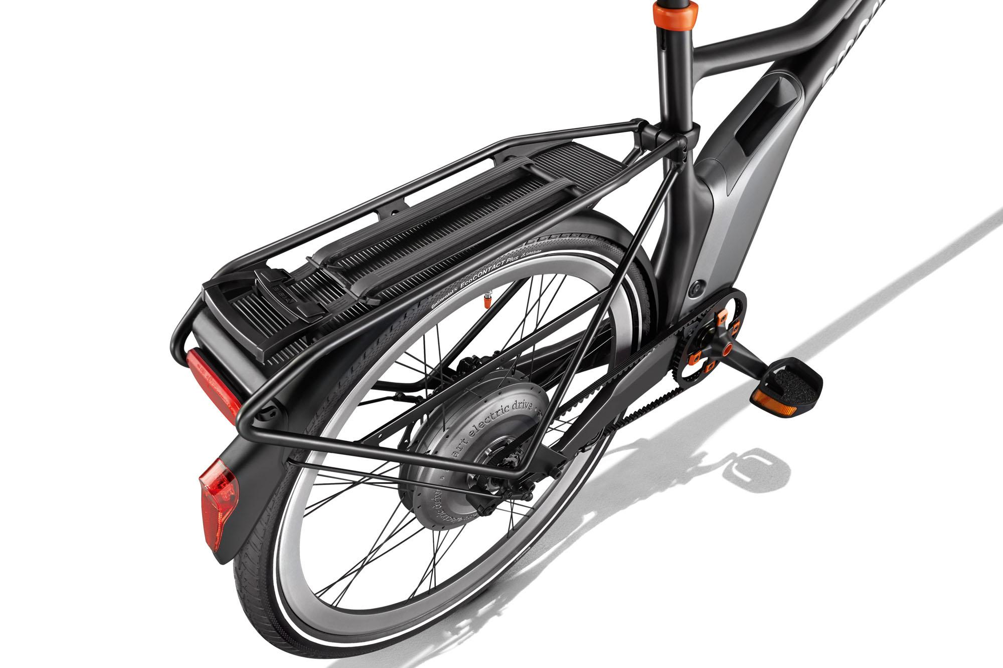 Smart_e_bike_3_4_black_Gepaecktraeger_A