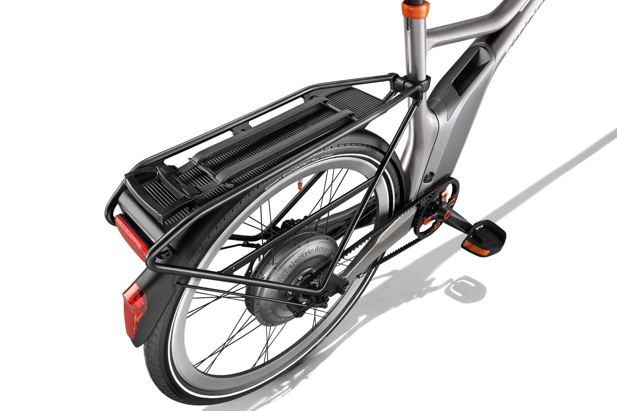 Smart_e_bike_3_4_silver_Gepaecktraeger_A