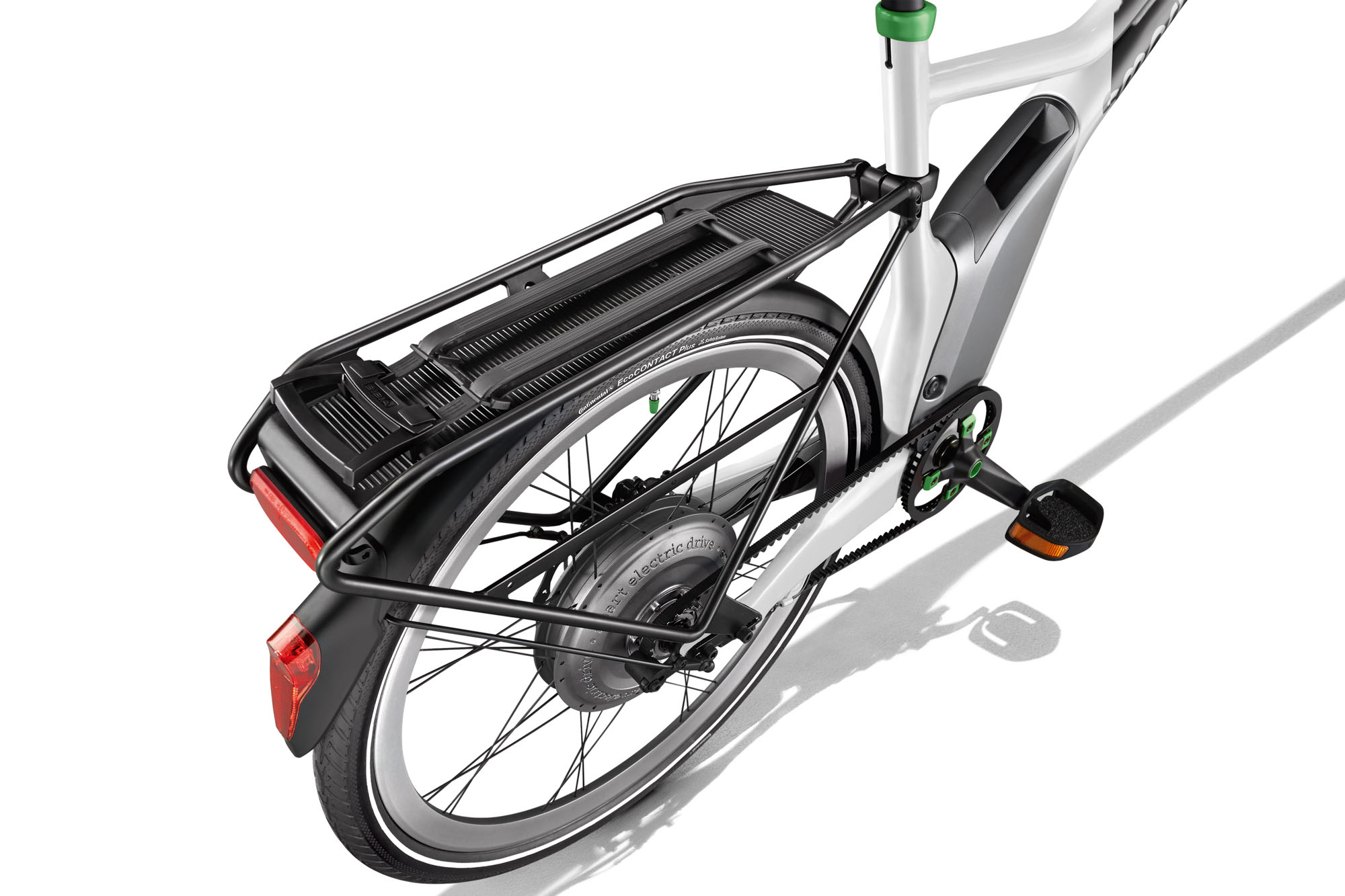 Smart_e_bike_3_4_white_Gepaecktraeger_A